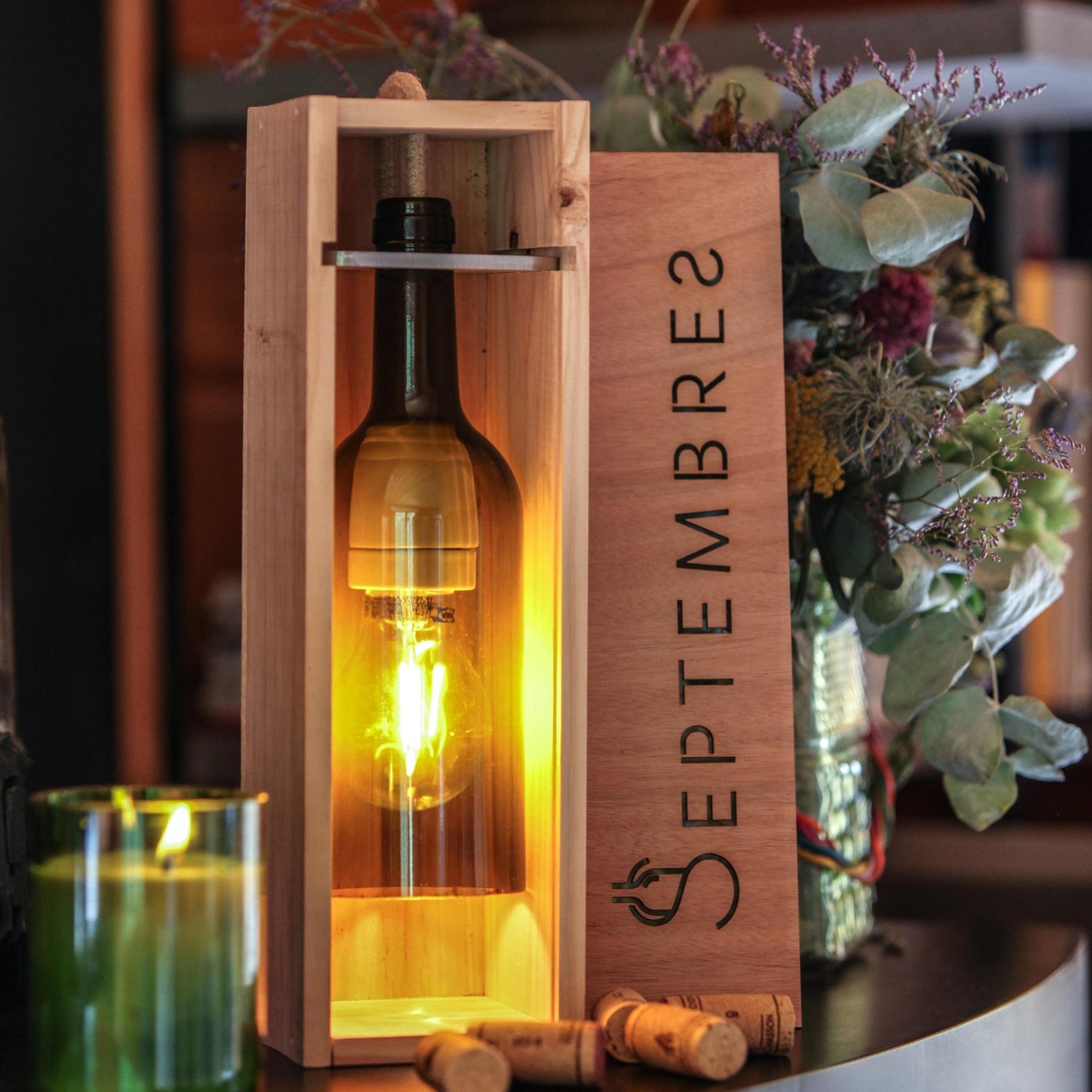 Lampe bouteille de vin artisanale Hadrien 2 - Septembres