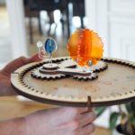 """Jeu de construction éco-conçu pour enfant """"Mon Carrousel solaire"""" - Kuti Kuti 1"""
